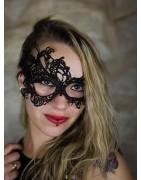 Antifaces y máscaras para fiestas o eventos.